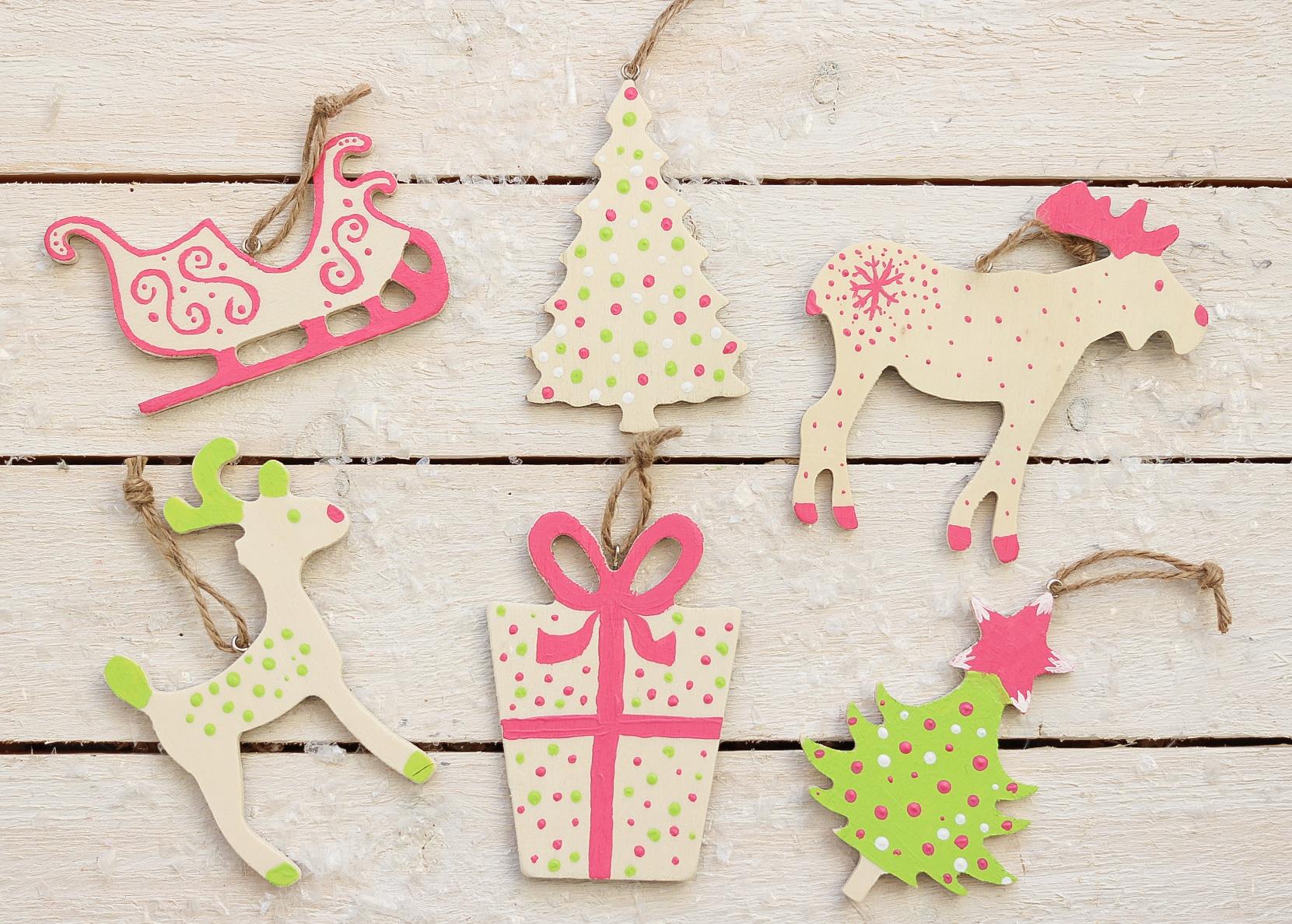 Juldekorationer av trä