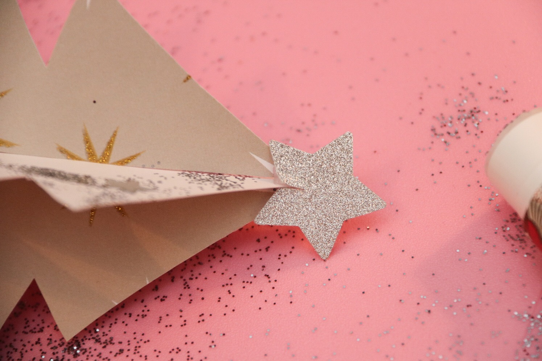 Julgranar av papper