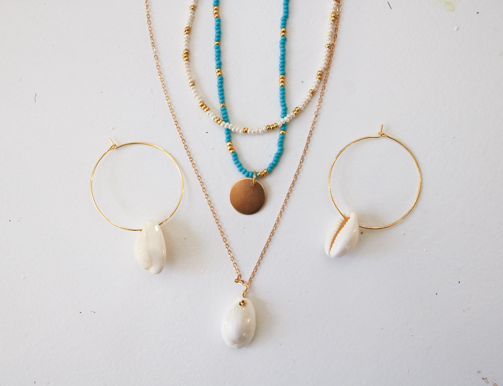 Halsband med Rocaillespärlor