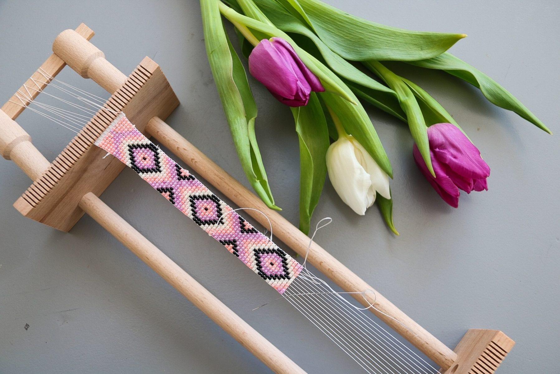 Halsband av Rocaillespärlor