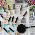vika krukor av tidningspapper