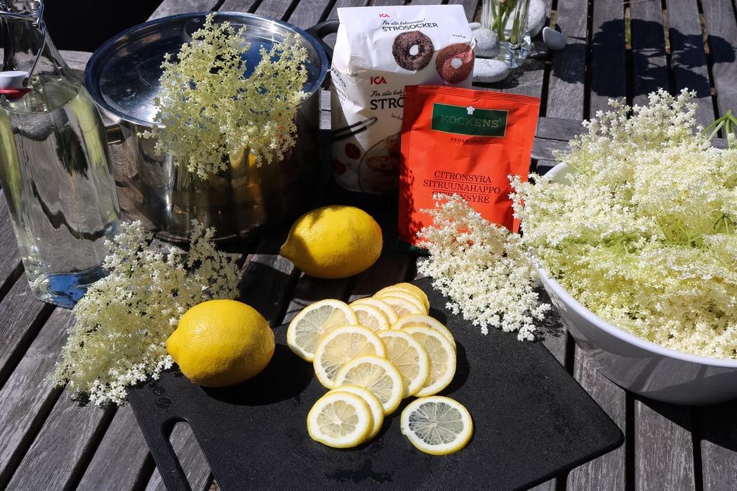 Flädersaft ingredienser