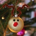 Pyssel med julkulor