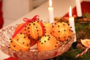 Apelsiner med nejlikor