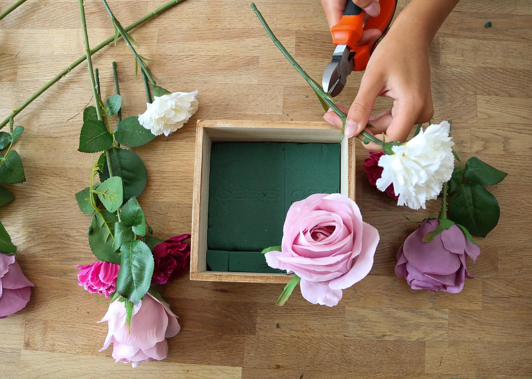Blomlåda med kaffemålning