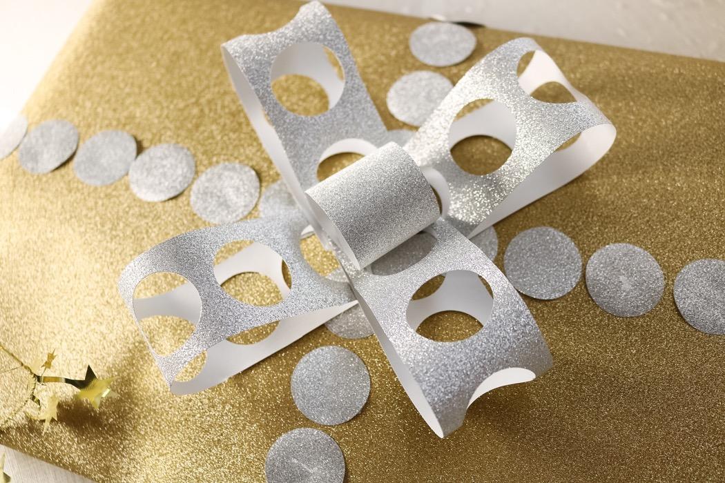 Julklappar och papperspyssel