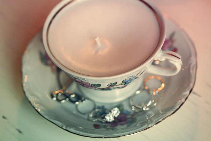 ljus i kaffekopp