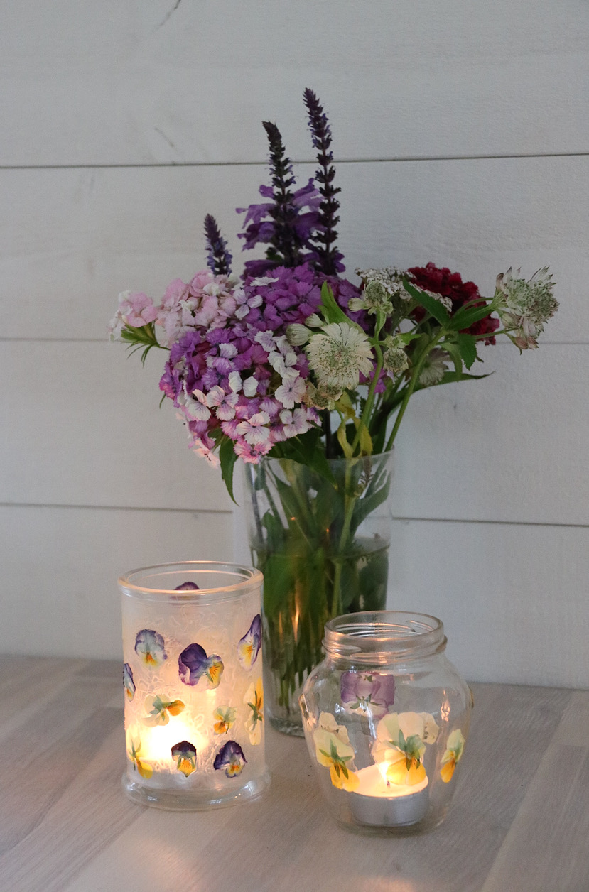 Ljuslykta blommor