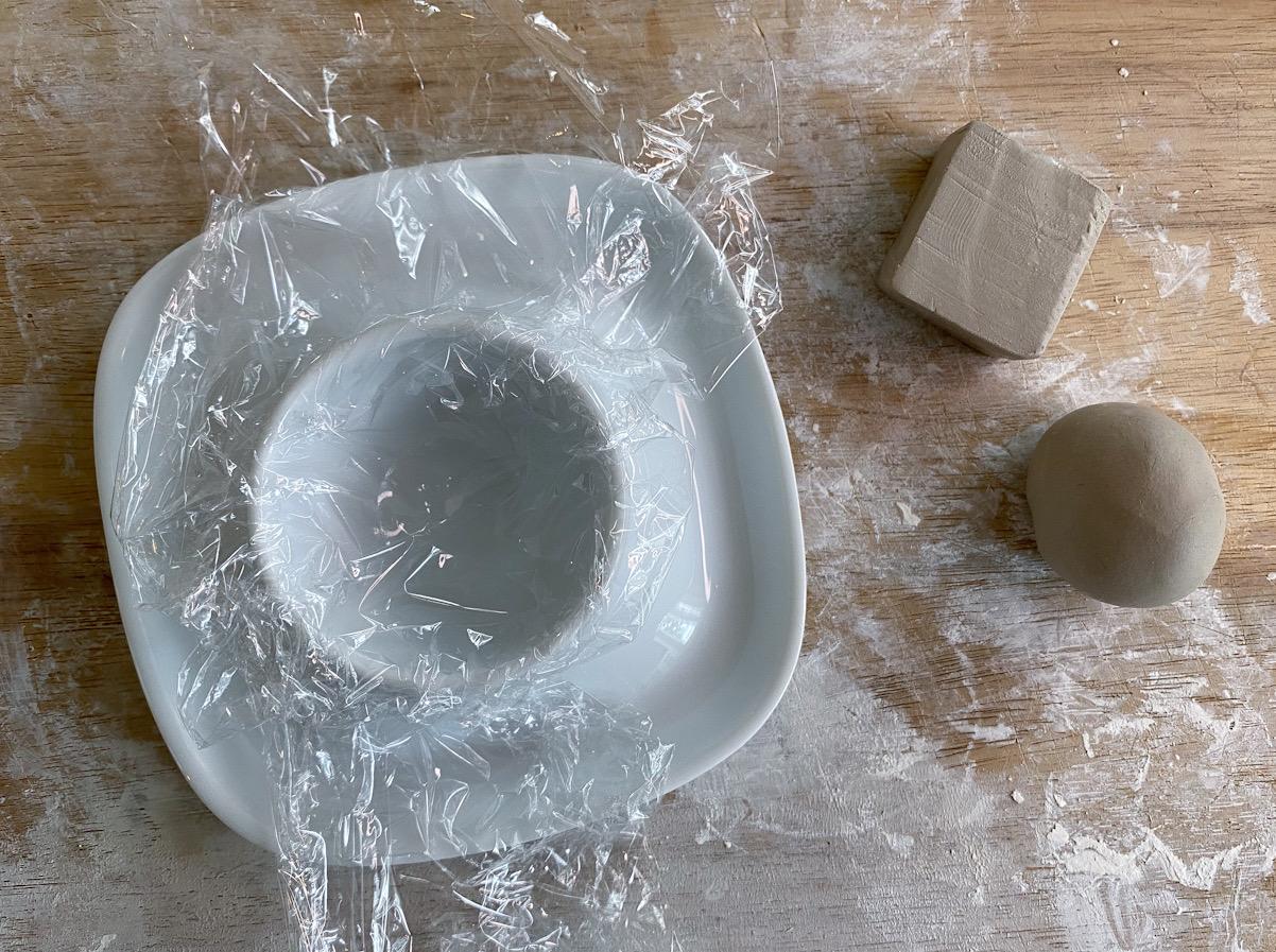 Forma lera, plasta skål